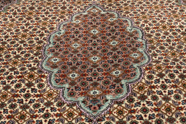 Persian Tabriz Carpet - Medallion Design - Silk and Wool