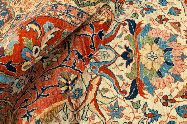 Fine Persian Bakhtiari Carpet